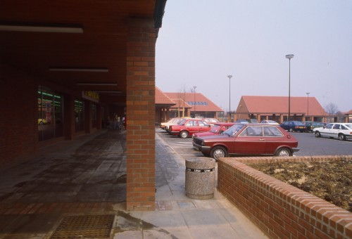Image of the exterior and the car park at Thorley Centre, Bishop's